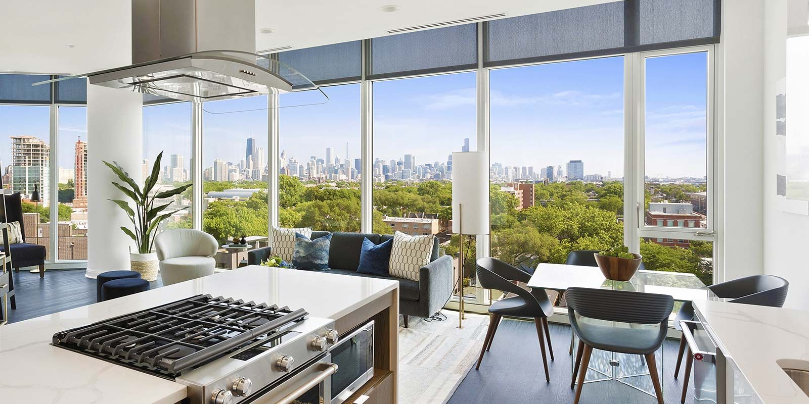 Penthouse Skyline Views